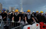 خشونت پلیس هنگ کنگ علیه معترضین