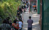 صفهای طویل در ایالت تگزاس آمریکا برای دریافت کمکهای غذایی