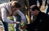 حضور بشار اسد و همسرش در مراسم درختکاری در طرطوس سوریه