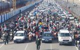 فجر ۴۲| آسوشیتدپرس: مردم ایران با رژه موتوری و خودرویی سالگرد انقلاب را جشن گرفتند