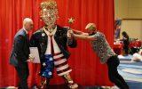 سازنده مجسمه طلایی ترامپ؛ گوساله سامری نساختم