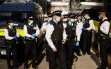 فعالان محیط زیست پنجرههای بانک اچاسبیسی را در لندن شکستند