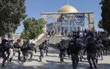 تجمع نظامیان صهیونیستی مجهز به نارنجکهای بیحس کننده مقابل مسجد الاقصی