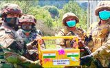 نظامیان پاکستان و هند با اهدای هدیه به هم عید فطر را برگزار کردند